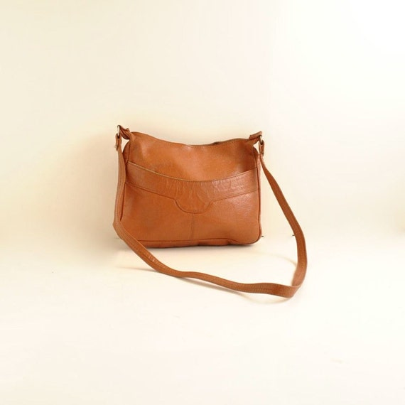 Cross Body Bag   //  70s Leather Shoulder Bag   //  PUMPKIN POCKETS