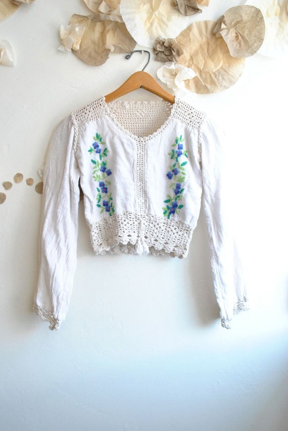 70s Embroidered Top   //   Crocheted Top  //  BOHO CROP