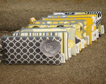 Set of Bridesmaids Wristlets, Yellow and Gray Custom Made Wristlets, Yellow and Grey Bridesmaids Gifts,  Yellow/Gray Bags