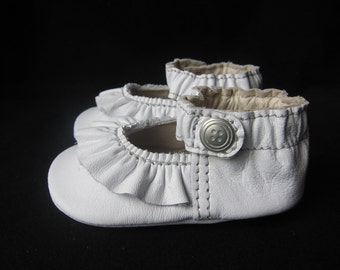 Baby Shoes Ruffled Mary Jane Soft Sole Shoe in White Leather