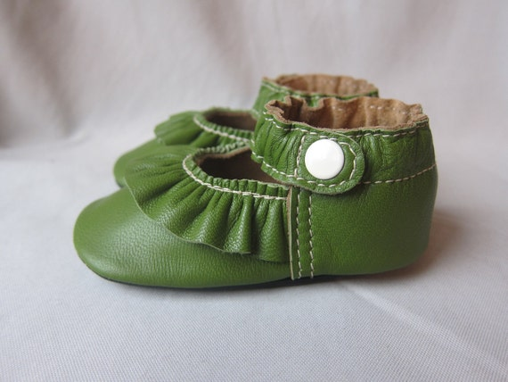 Baby Shoes Ruffled MaryJane Green Apple Leather