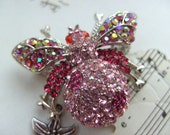 Pink, red, crystal, Swarovski crystal,Bumble bee, BEE, Brooch, Necklace, flower, gift idea, by kadootje77 on etsy