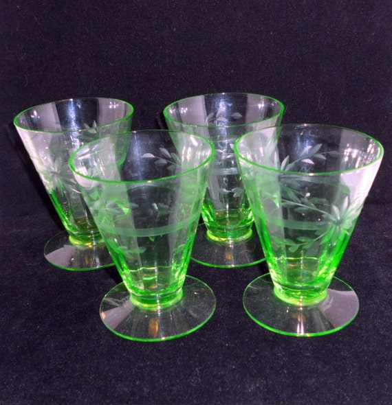 Vintage Green Depression Juice Glasses Set Of 4 Flowers