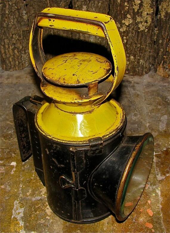 Antique Lantern / Oil / Kerosene Lamp / RailRoad / Coalminer / Light / Signal