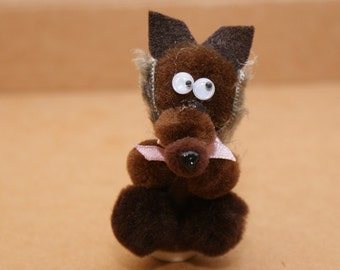 how to make a wolf finger puppet