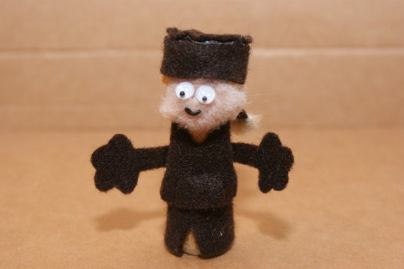 Mountain Man Finger Puppet