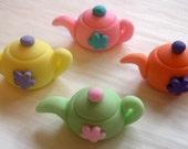 Fondant Cupcake Toppers - Teapots - 3D