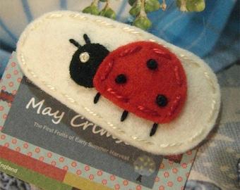 Felt hair clip -No slip -Wool felt -Ladybird -ecru