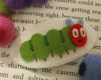 Felt hair clip -No slip -Wool felt -Green caterpillar -ecru