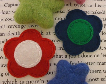 Felt hair clip -No slip -Wool felt -set of 2 flower -red / navy