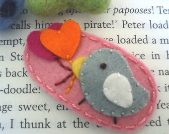 Felt hair clip -No slip -Wool felt -light grey bird and hearts -pink
