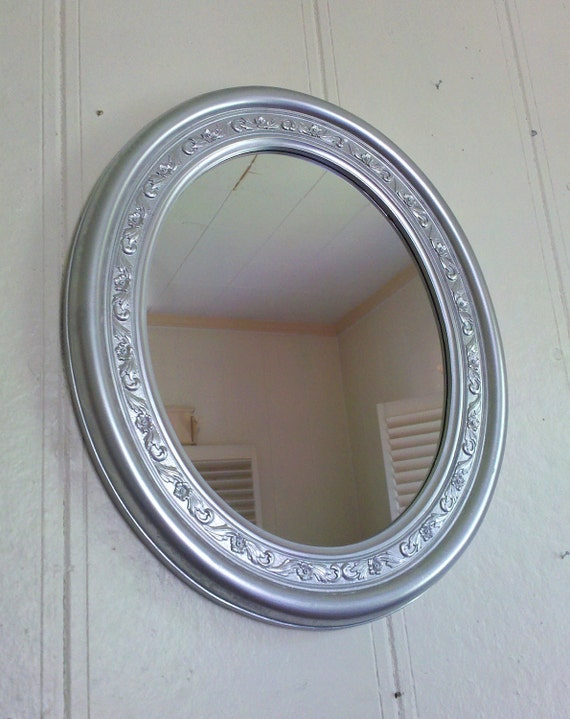 Decorative Oval Wall Mirror in 1985 Burwood Frame