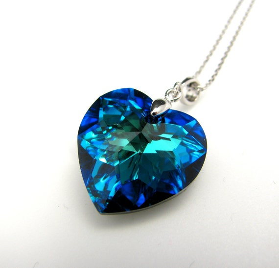 Swarovski bermuda blue heart crystal pendant necklace - free US shipping