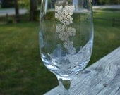 Floral Etched Wine Glass