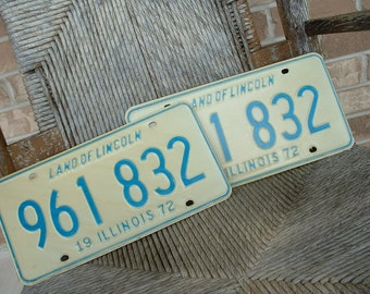 Vintage Illinois 1972 Pair of Auto License Plates Retro Garage Mancave Decor Wall Hanging Car Tags