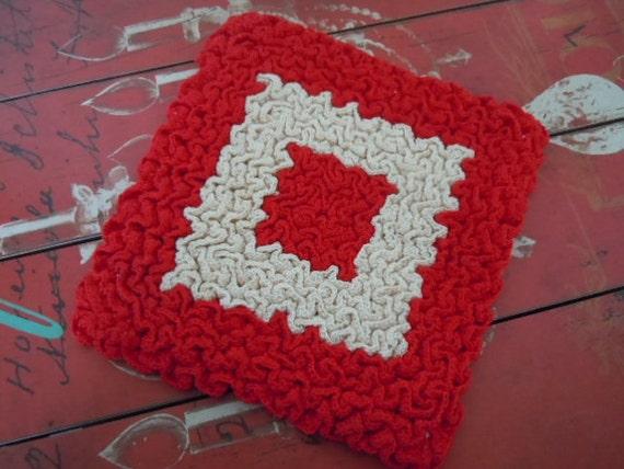 Vintage Farmhouse Cottage Red Crocheted Large Hotpad Trivet
