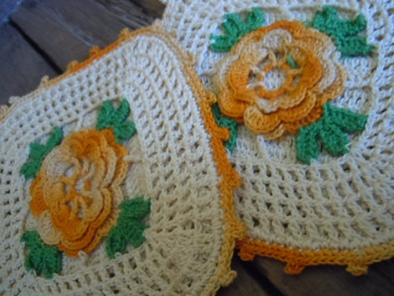 Vintage Crochet Pot Holders Farmhouse Romantic Roses Golden Yellow Cottage Chic Pair