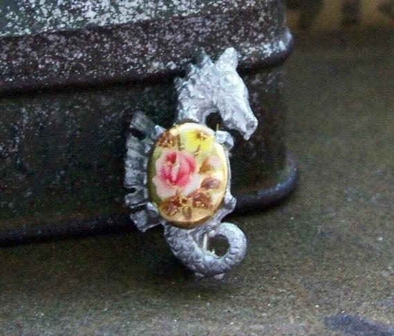 Maritiny.... vintage floral cab seahorse brooch....