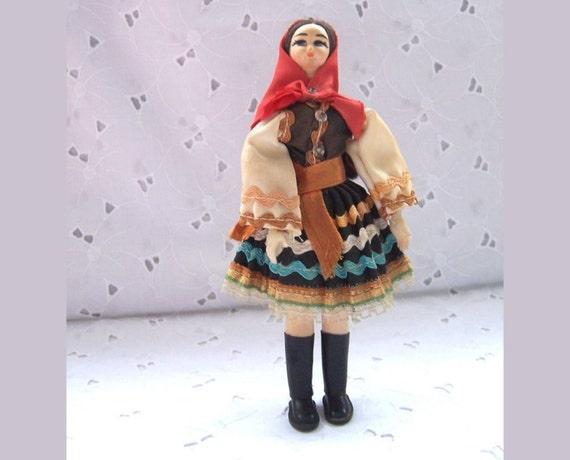 Traditional Costume Doll - Slovacko - Europe
