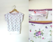vintage 1980s Sweet Little Purple and White Floral Top -- XS/S/M