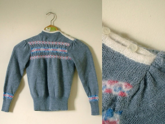 vintage 1970s Girls Grey Pink and Blue Fair Isle Snowflake Sweater