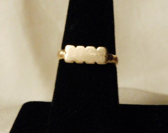 Antique Victorian Era Gold Ring 14 K
