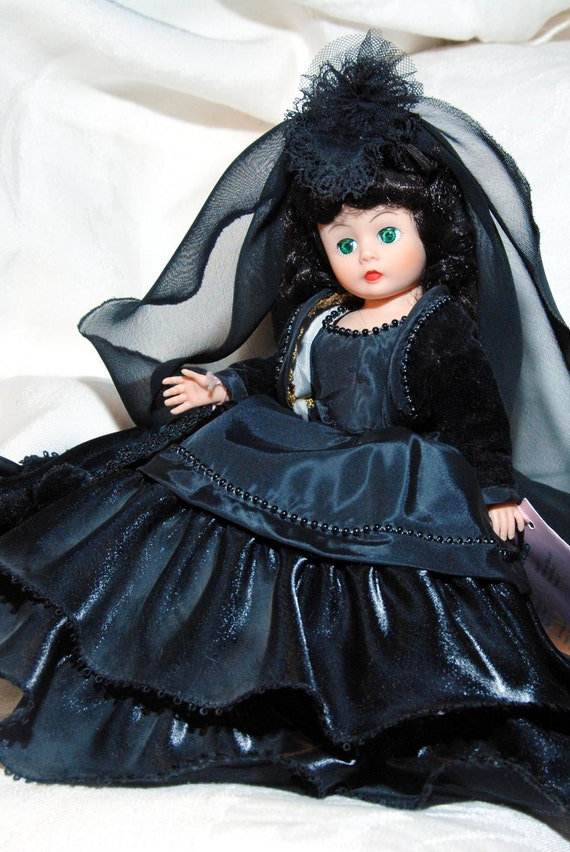 GWTW Scarlett O'Hara Madame Alexander Doll 'At the Ball' in her mourning dress.