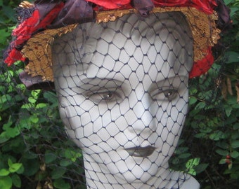 Summer 1940s Vintage Fantastic Straw Open Top Netting Hat  With Red Poppy Flowers Millinery