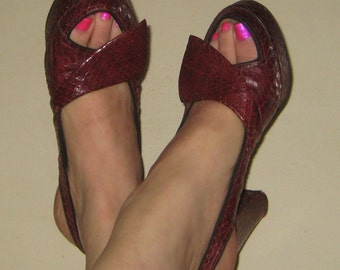 Sale Sale Red Hot Pin Up Bomb Shell 1940s Peep Toe Sling Back Red Snake Shoes Platform Size 6.5 too 7
