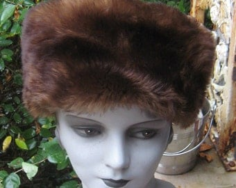 Winter Wind Keep Your Head Nice N Warm With This 1950s Lamb Fur Hat Made In Italy