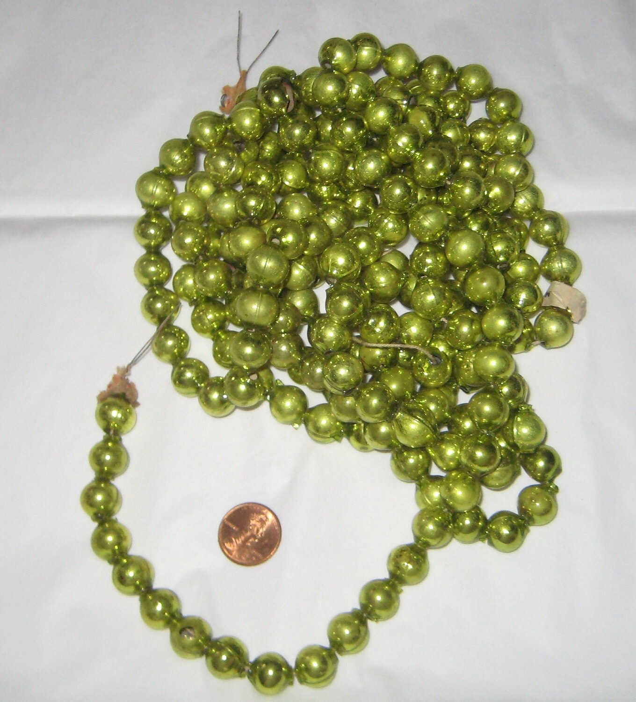 Christmas Tree Glass Bead Garland Lime Green by HartsCloset