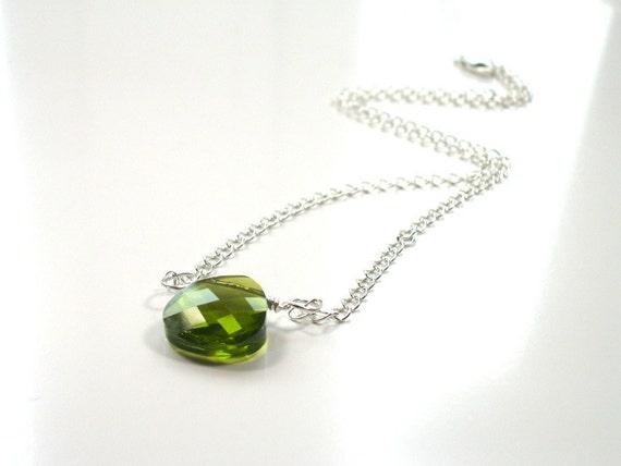 SALE Green Minimalist Necklace . Swarovski Crystal . Sterling Silver . Simple Everyday Jewelry . NIOBE