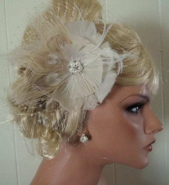 Ivory Bridal Fascinator, Ivory Peacock Hair Clip, Wedding Comb, Wedding Fascinator, Ivory Bridal Comb, Peacock Fascinator, Ivory Feathers