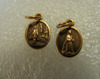 2 Copper Vintage medasl of  Our Lady of Lourdes Religious Jewelry pendant for rosary necklace chaplet, charm bracelet