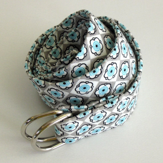 Ladies Belt in Grey and White with Aqua Flowers - summer accessory - 38 inch - size S/M - Silver D Ring Buckle