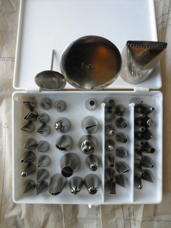Large lot of Wilton METAL TIPS for Cake Decorating