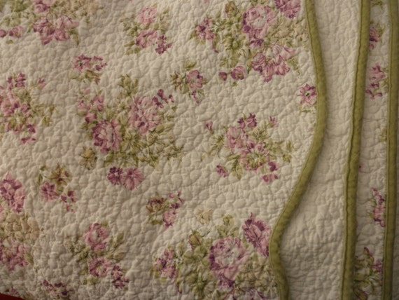 Liz Claiborne Quilted Cotton COMFORTER Queen Or King Bed