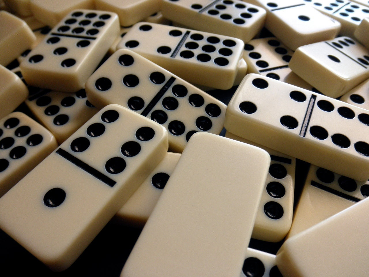 Plastic dominoes | Etsy