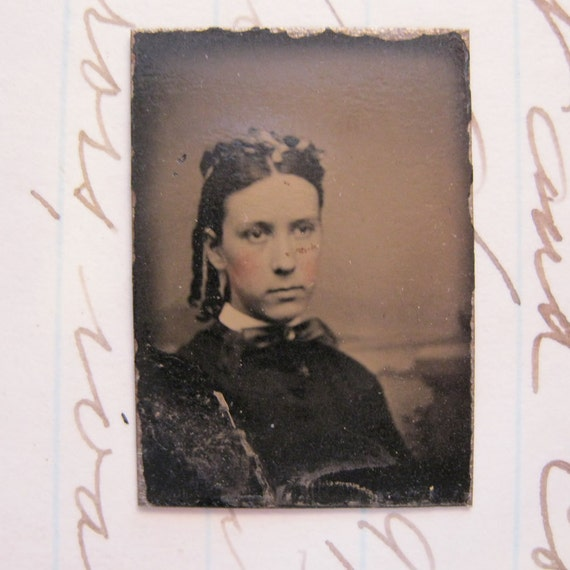miniature antique GEM tintype photo - WOMAN with ringlets - locket sized ferrotype, accessories - late 1800s, antique photos - GT233