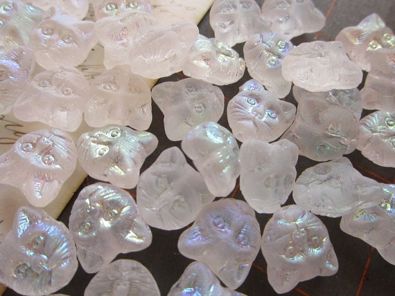 20 beads - CAT faces - clear frosted with irridescent finish
