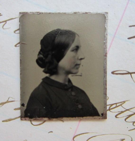 antique GEM tintype photo - woman, PROFILE - GTC74