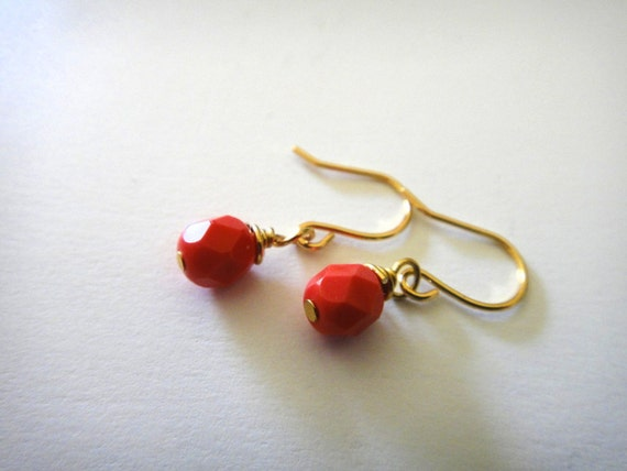 Czech Glass Simple Coral Earrings in Gold - Wire Wrapped - Pink - Minimal