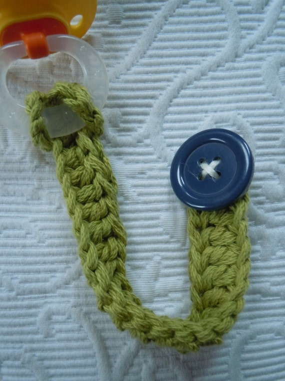 KNIT PACIFIER TETHER Vintage Knit Hand Knit Baby Holiday Gift Retro Buttons Binky Clip Baby Boy Hand Crochet Free Shipping
