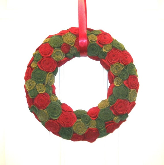 Felt and Yarn Wreath - Red Olive Green