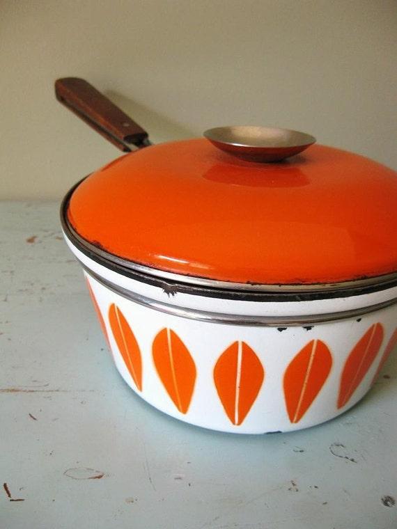 SALE Vintage Retro Enamel Pot