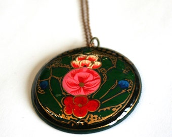painted hippy pendant wooden disc large, necklace