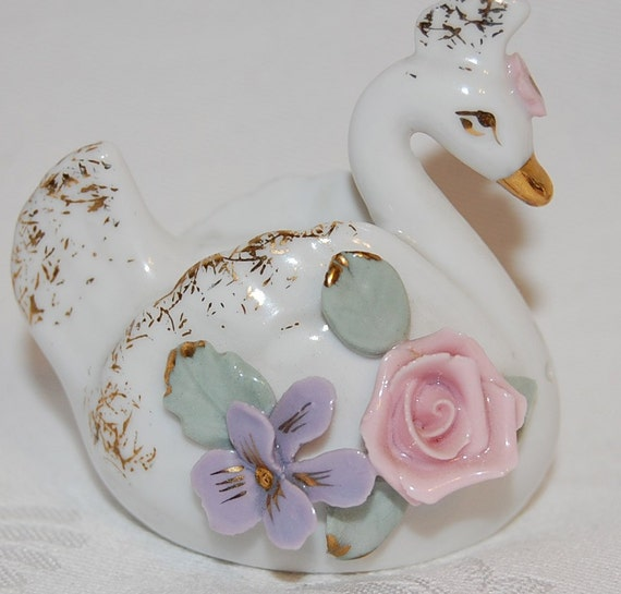 Antique Swan Couple Salt And Pepper Shakers Figurines With