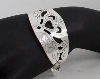 Silver bracelet, pearl bracelet, heart  bracelet, weddings gifts, trendy gift, graduation gifts, handmade bracelet,vintage silver tray