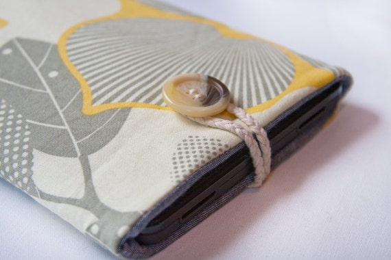 Kindle Fire / Keyboard / 3G / Touch  and Nook sleeve cover - Geometric flowers yellow