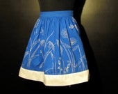 vintage 1970s wildflower silkscreen flamstead half apron in cobalt blue - the perfect summer apron